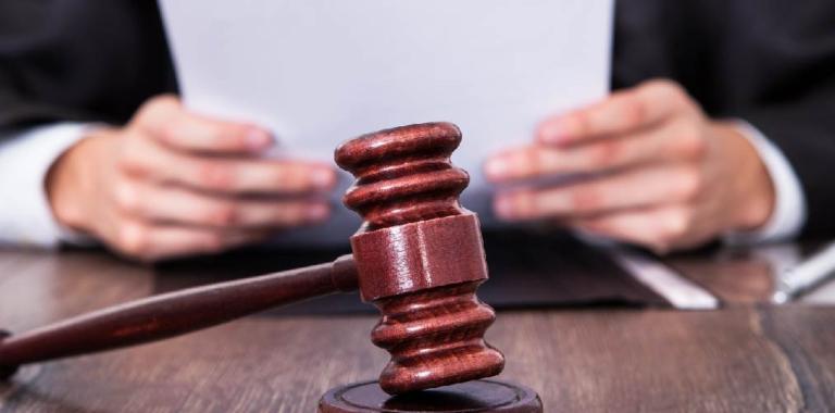 Suspensión de Embargo de Autoridades Fiscales y Administrativas